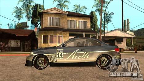 BMW 135i Coupe GP Edition Skin 3 para GTA San Andreas esquerda vista