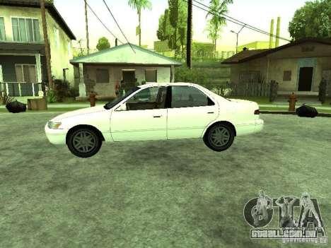 Toyota Camry 2.2 LE para GTA San Andreas esquerda vista