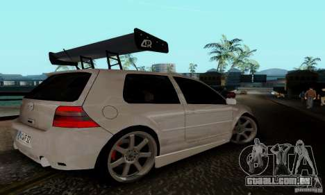 Volkswagen Golf 4 para GTA San Andreas vista direita