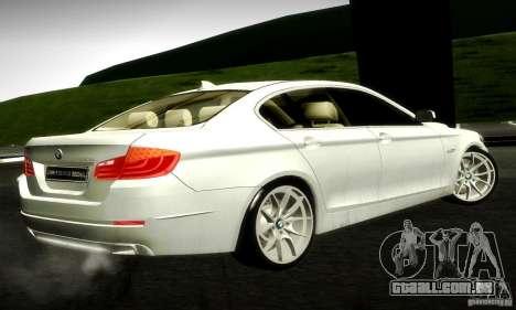 BMW 550i F10 para GTA San Andreas traseira esquerda vista