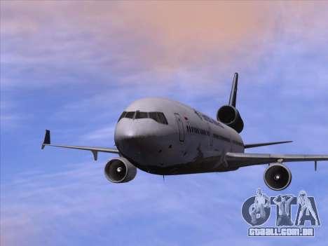 McDonnell Douglas MD-11 Garuda Indonesia para GTA San Andreas vista inferior
