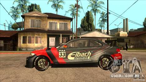 BMW 135i Coupe GP Edition Skin 2 para GTA San Andreas esquerda vista