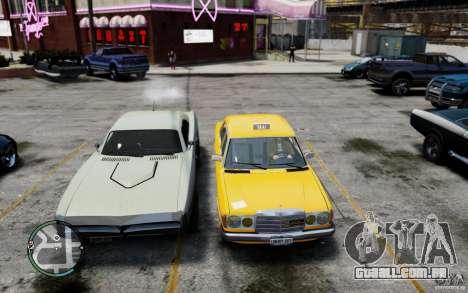 Mercedes-Benz 230 E Taxi para GTA 4 vista de volta