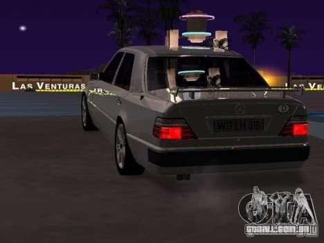 Mercedes-Benz E500 Taxi 1 para GTA San Andreas vista direita