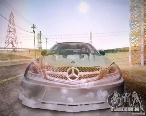 Mercedes-Benz C63 AMG Black Series para GTA San Andreas vista direita