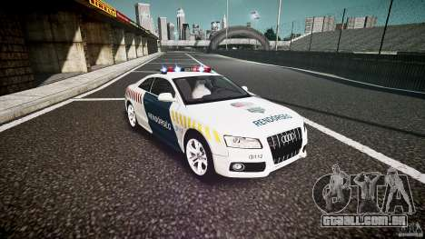 Audi S5 Hungarian Police Car white body para GTA 4 vista de volta