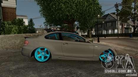 BMW 135i HellaFush para GTA 4 vista direita