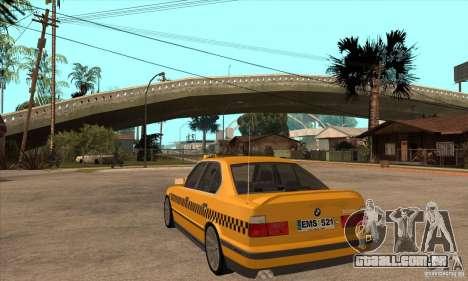 BMW E34 535i Taxi para GTA San Andreas traseira esquerda vista