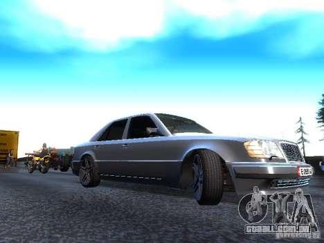 Mercedes-Benz E500 W124 para GTA San Andreas traseira esquerda vista