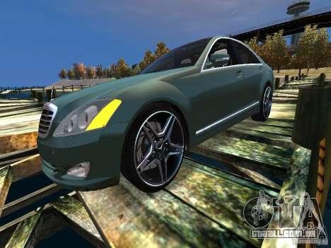Mercedes-Benz W221 S500 para GTA 4 traseira esquerda vista