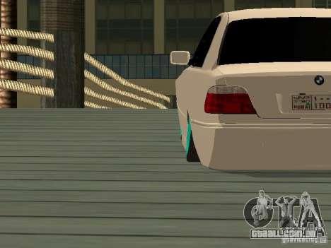 BMW 750i JDM para GTA San Andreas traseira esquerda vista