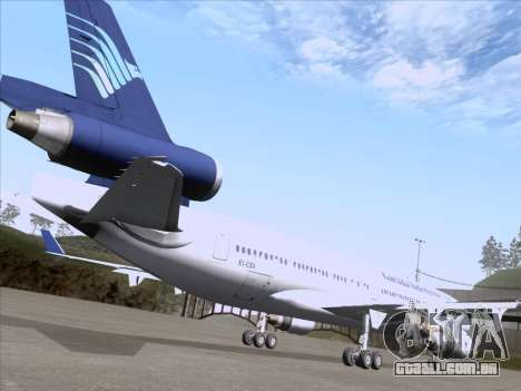McDonnell Douglas MD-11 Garuda Indonesia para vista lateral GTA San Andreas