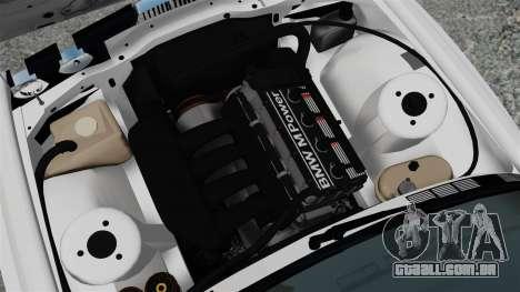 BMW M3 E30 v2.0 para GTA 4 vista de volta