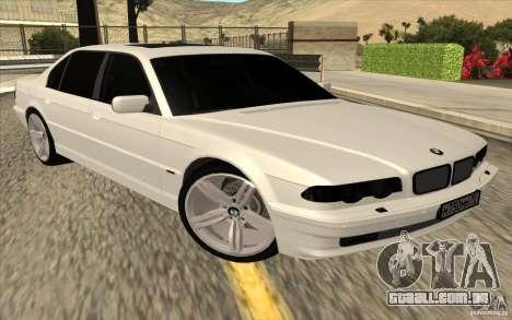 BMW 750iL E38 para GTA San Andreas traseira esquerda vista