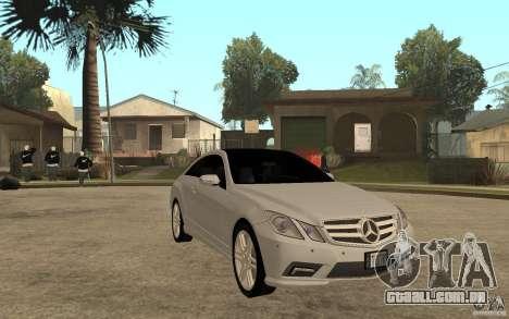 Mercedes Benz E-CLASS Coupe para GTA San Andreas vista traseira