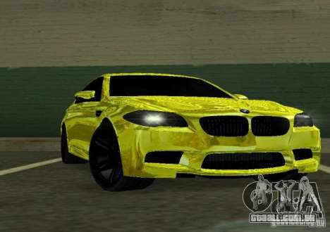 BMW M5 F10 Gold para GTA San Andreas vista traseira