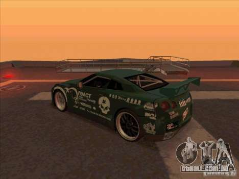 Nissan GT-R R35 rEACT para GTA San Andreas traseira esquerda vista