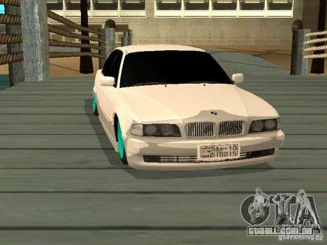 BMW 750i JDM para GTA San Andreas vista direita