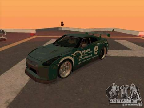 Nissan GT-R R35 rEACT para GTA San Andreas esquerda vista