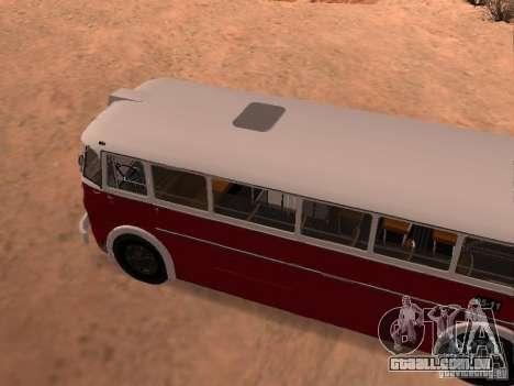 Ikarus 60 para GTA San Andreas vista direita