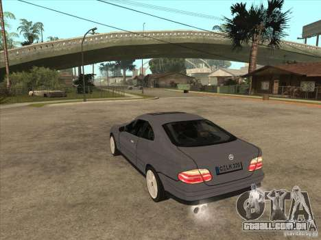 Mercedes-Benz CLK320 Coupe para GTA San Andreas traseira esquerda vista