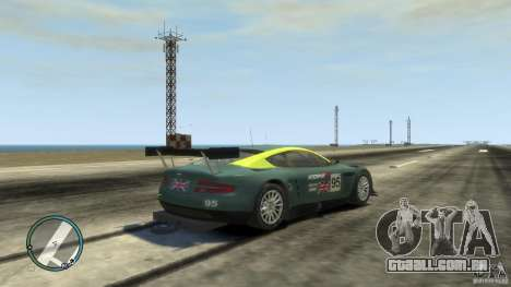 Aston Martin DBR9 para GTA 4 vista direita