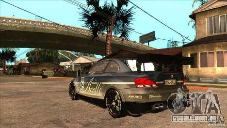 BMW 135i Coupe GP Edition Skin 3 para GTA San Andreas traseira esquerda vista