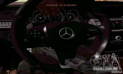 Mercedes-Benz E63 AMG para GTA San Andreas vista inferior
