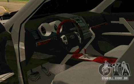 Toyota Land Cruiser 200 para vista lateral GTA San Andreas