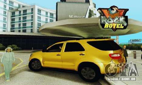 Toyota Fortuner Original 2013 para GTA San Andreas esquerda vista