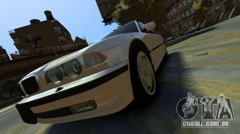 BMW 750iL para GTA 4 vista de volta