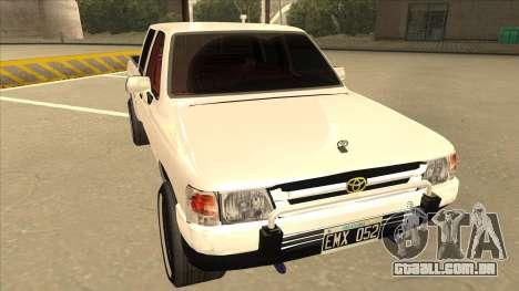 Toyota Hilux 2004 para GTA San Andreas esquerda vista