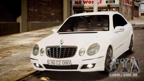 Mercedes-Benz E-Class Executive 2007 v1.1 para GTA 4 traseira esquerda vista