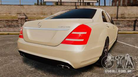 Mercedes-Benz S65 (W221) AMG para GTA 4 traseira esquerda vista