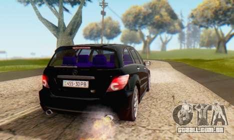 Mercedes-Benz R350 para GTA San Andreas vista inferior