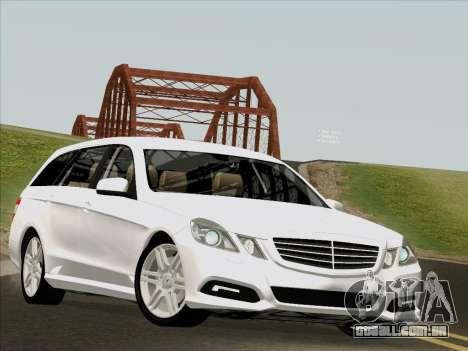 Mercedes-Benz E250 Estate para GTA San Andreas esquerda vista