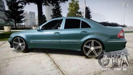 Mercedes-Benz W211 E55 AMG Vossen VVS CV5 para GTA 4 esquerda vista