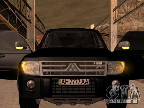 Mitsubishi Pajero para GTA San Andreas traseira esquerda vista