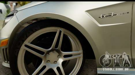 Mercedes-Benz E63 AMG para GTA San Andreas vista traseira