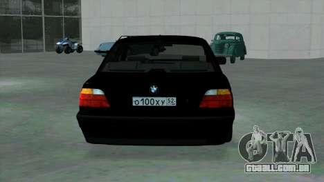BMW 750i e38 para GTA San Andreas vista direita