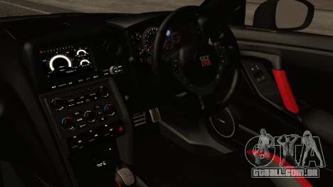 Nissan GT-R R35 2012 v2 para GTA San Andreas vista direita