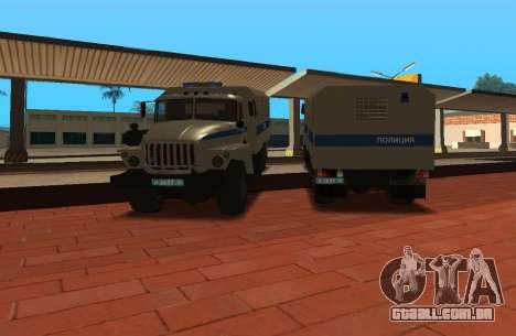 Ural 4320 de polícia de choque para GTA San Andreas traseira esquerda vista