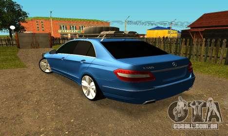 Mercedes Benz E500 W212W para GTA San Andreas esquerda vista