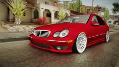 Mercedes-Benz C32 AMG Stanced