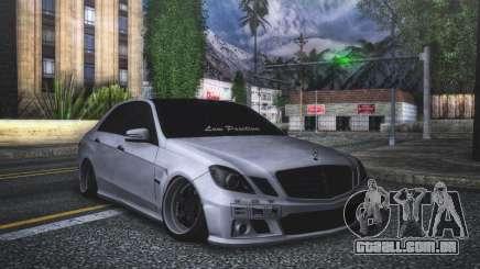 Mercedes-Benz E63 para GTA San Andreas