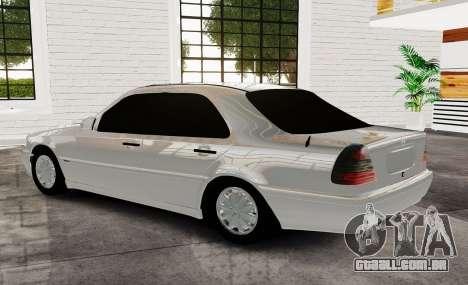 Mercedes Benz с180 para GTA 4