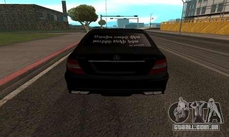 Mercedes-Benz C63 Armenia para GTA San Andreas vista direita