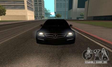 Mercedes-Benz C63 Armenia para GTA San Andreas traseira esquerda vista