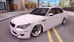 BMW M5 E60 CHUPANDO