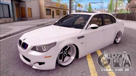 BMW M5 E60 CHUPANDO para GTA San Andreas